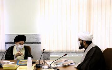 تصاویر/ دیدار مسئول مرکز رسانه و فضای مجازی حوزههای علمیه با آیتالله حسینی بوشهری