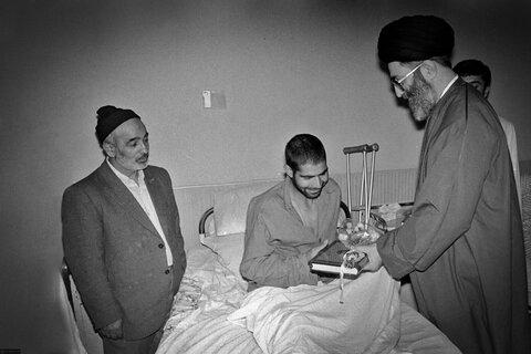 تصاویری از مرحوم حاج علی شمقدری در کنار رهبر معظم انقلاب