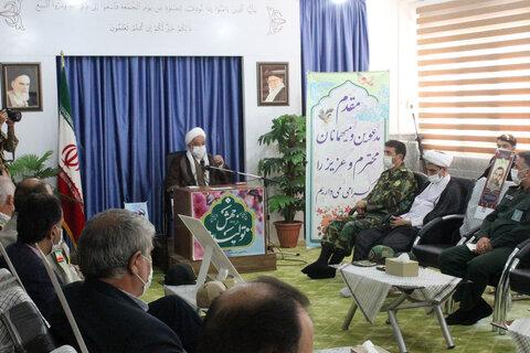 تصاویر/ دیدار  اعضای ستاد گرامیداشت هفته دفاع مقدس با نماینده ولی فقیه خراسان شمالی
