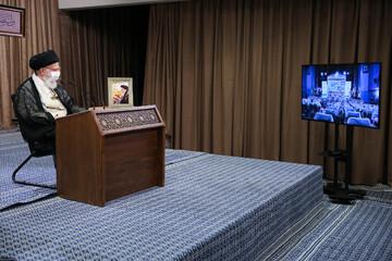 ایران پر عراقی جارحیت کے پیچھے صدام نہیں امریکہ جیسی طاقتیں تھیں، رہبر انقلاب اسلامی