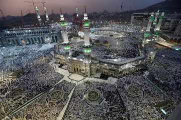 Saudi Arabia unveils health measures that will allow pilgrims to visit Mecca