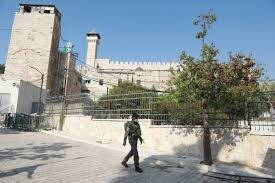Al – Khalil: Ibrahimi Mosque closed by Israeli forces for second day in a row