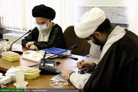 بالصور/ مسؤول المركز الإعلامي والعالم الافتراضي للحوزات العلمية في البلاد يلتقي بآية الله الحسيني البوشهري بقم المقدسة