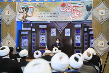 تصاویر/ نشست بصیرتی هفته دفاع مقدس در مدرسه علمیه امیرالمومنین(ع) بیرجند