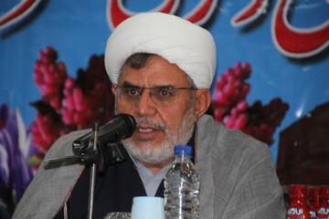 رهبری امام (ره) از نقش های برجسته روحانیت در دفاع مقدس بود