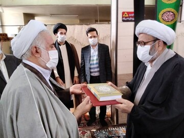 پدر طلبه شهید در خوی تجلیل شد + عکس