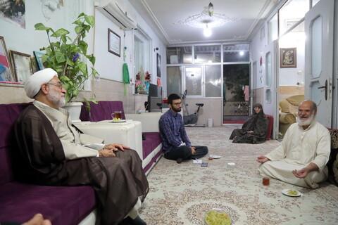 تصاویر / عیادت قائم مقام مدیرحوزه های علمیه از خانواده شهید سید علی زمانی