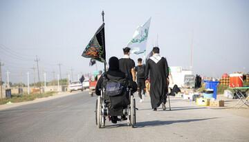 تصاویر/ حال و هوای زائران اربعین حسینی در مسیر کربلای معلی