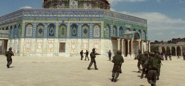 Dozens of Israeli settlers storm Al-Aqsa Mosque complex