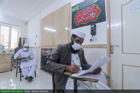 بالصور/ اختبار طلاب أهل السنة لتحديد مستوى دراستهم في محافظة خراسان الجنوبية شرقي إيران