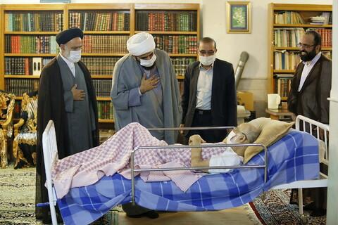 تصاویر/ عیادت هیئت حوزوی به نمایندگی از آیت الله اعرافی با حجت السلام والمسلمین خوشنویس