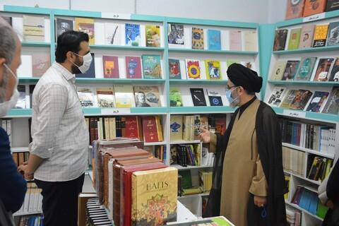 تصاویر/ بازدید نماینده ولی فقیه در آذربایجان غربی  از نمایشگاه دائمی پاتوق کتاب ارومیه