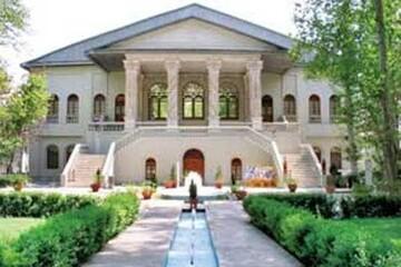 تماشای عمارت زیبای باغ فردوس و موزه سینما از قاب «تهرانگرد»