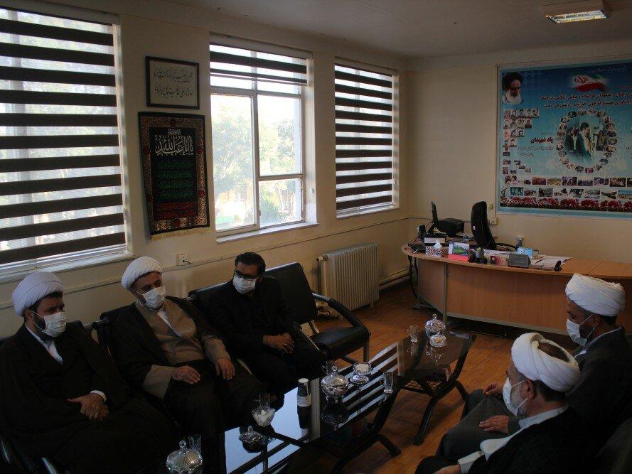 تصاویر دیدار مسئول نهاد نمایندگی ولی فقیه در سپاه بیت المقدس با مدیر حوزه علمیه کردستان