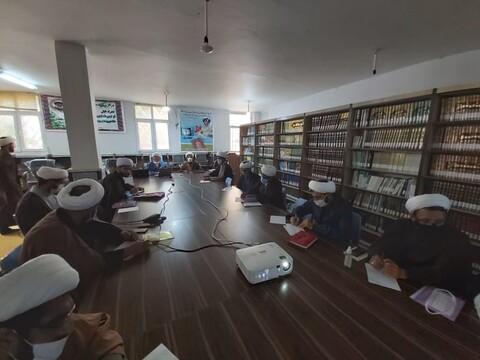 تصویر/ دوره دو روزه پژوهشی معاونین پژوهش مدارس علمیه استان هرمزگان