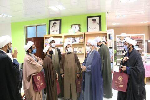 تصویر» دیدار مدیر کل کتابخانه های عمومی استان هرمزگان با مدیر حوزه علمیه هرمزگان