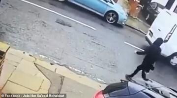 راننده سفیدپوست انگلیسی زن محجبه را عمدا زیر گرفت