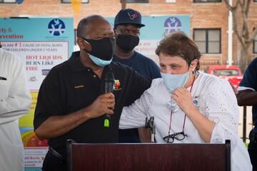 خیریه اسلامی هیوستون به کودکان نیازمند خدمات پزشکی میدهد