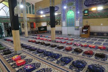 تصاویر / کمک مومنانه به دانش آموزان نیازمند توسط هیئت خادم الرضا (ع)