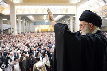پس از ده سال(۷) | نظام اسلامی بر تمام چالش ها پیروز خواهد شد