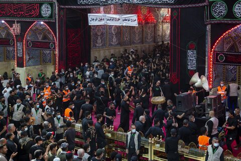 حضور دسته های عزاداری اربعین در حرم امام حسین(ع) و حضرت عباس(ع)