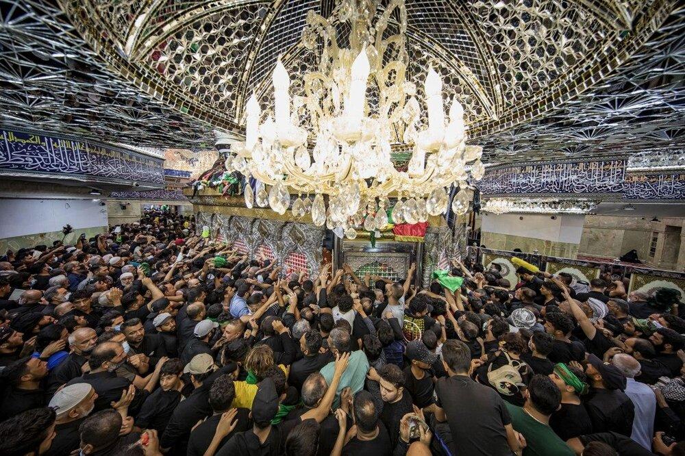 تصاویر/ حال و هوای حرم حضرت اباعبدالله الحسین (ع) در روز اربعین