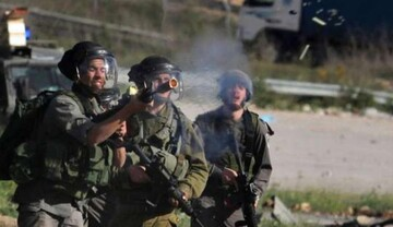 الاحتلال يقتحم مخيم الأمعري.. إعتقالات و10 إصابات