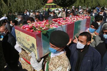 تصاویر/ آئین استقبال و تشییع پیکر سه شهید تازه تفحص شده در بجنورد