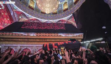 بالصور/ جانب من تشييع الخطيب الفقيد السيد جاسم الطويرجاوي من مرقد أمير المؤمنين(ع)
