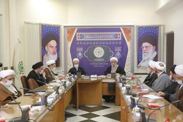 شورای ادیان حوزه تشکیل می شود/نیازمند منظومه ای منسجم از تفکر شیعی به صورت صفر تا صد به زبان های مختلف هستیم