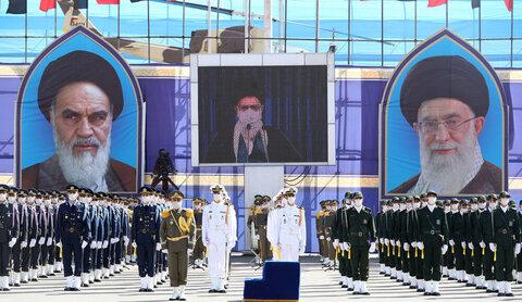 بالصور/ اتّصال متلفز بالمشاركين في حفل تخريج جامعات الضبّاط للقوّات المسلحة في الجمهورية الإسلاميّة في إيران