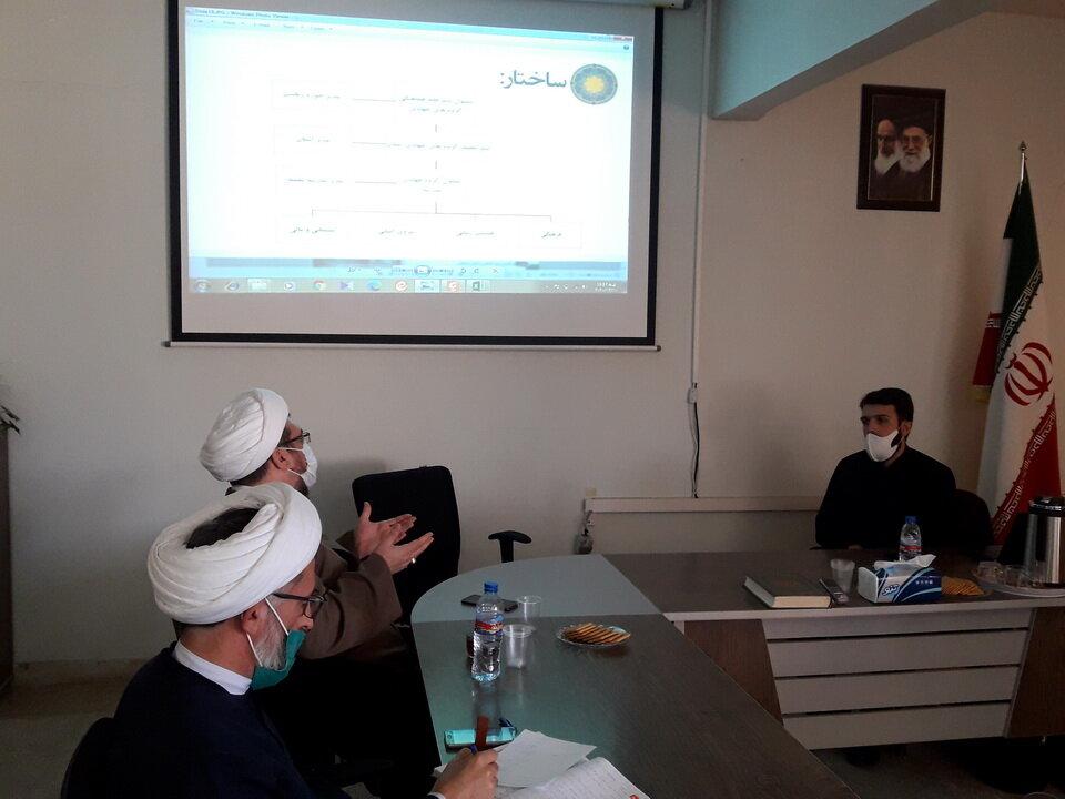 تصاویر / جلسه توجیهی مسئولین گروه های جهادی حوزه علمیه استان آذربایجان شرقی