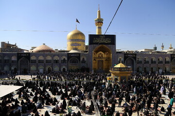 تصاویر/ مراسم عزاداری رحلت پیامبر اکرم (ص) و شهادت امام حسن مجتبی(ع) در حرم رضوی