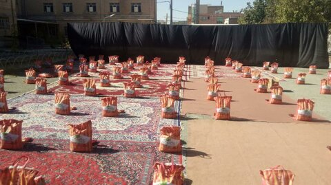 تصاویر|رزمایش کمک مومنانه با همکاری مدرسه علمیه قروه و دفتر امام جمعه شهرستان