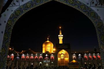 تصاویر/ حال و هوای حرم رضوی در شب شهادت ثامن الائمه(ع)
