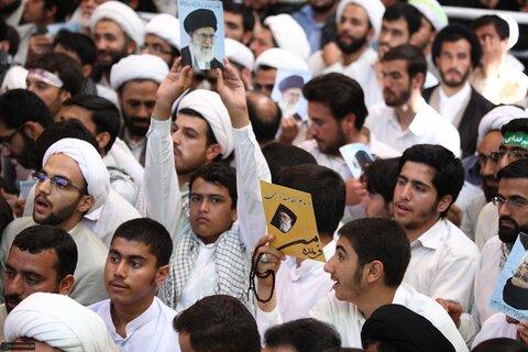 بازنشر/ تصاویر دیدار طلاب و روحانیون قم با رهبر معظم انقلاب در ۲۹ مهر ۸۹