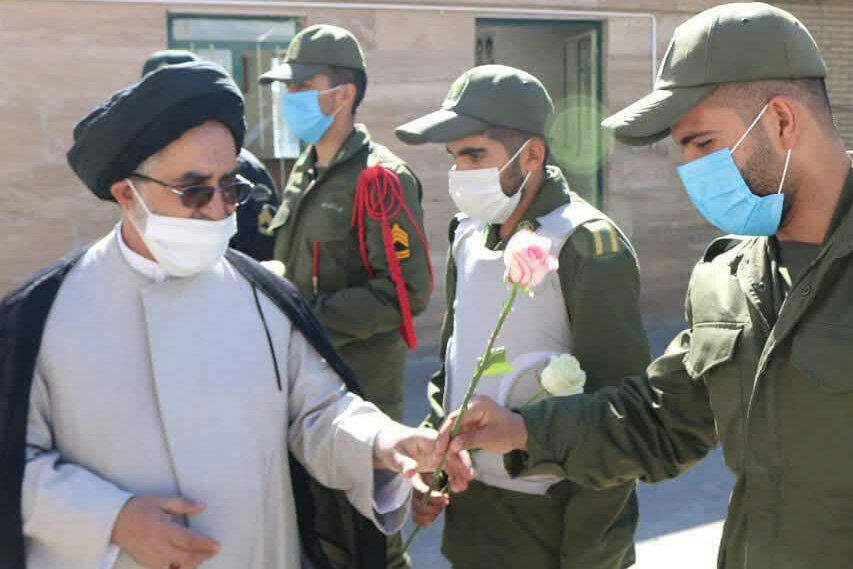 تصاویر/ دیدار امام جمعه ابرکوه با کارکنان نیروی انتظامی در هفته ناجا