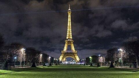 حمله وحشیانه با چاقو دو زن محجبه در پاریس