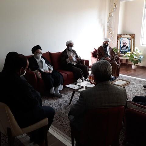 تصاویر/ حضور مسئولان حوزه علمیه تهران در منزل روحانی شهید مجید سلیمانیان