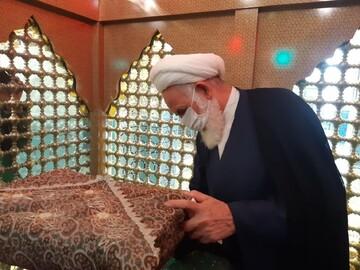 غبارروبی بارگاه مقدس امامزاده سلطان امیر احمد (ع) کاشان