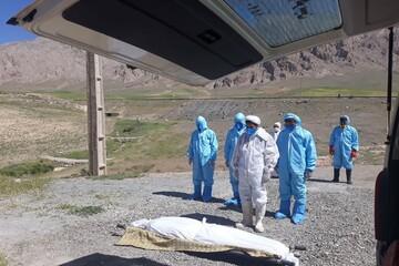 تصاویر/ تدفین اموات کرونایی شهرستان هرسین توسط طلاب جهادی