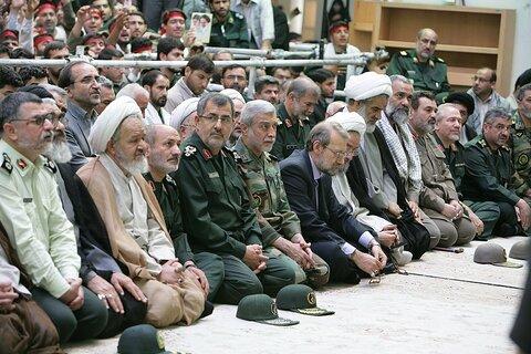 دیدار هزاران نفر از بسیجیان استان قم با رهبر معظم انقلاب در ۲ آبان ۸۹