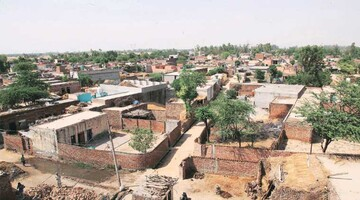 در حرکتی میان ادیانی، مسلمانان، هندوها و سیکها مسجد میسازند