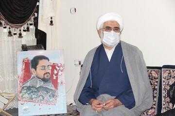 تقدیر مدیر حوزه علمیه قزوین از خانواده شهید زکریا شیری