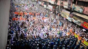 تظاهرات هزاران مسلمان بنگلادشی و تقاضا برای تحریم کالاهای فرانسوی