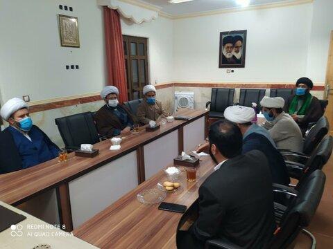 تصاویر جلسه شورای وقف و منابع پایدار با حضور مدیر حوزه علمیه کردستان و مدیران حوزوی