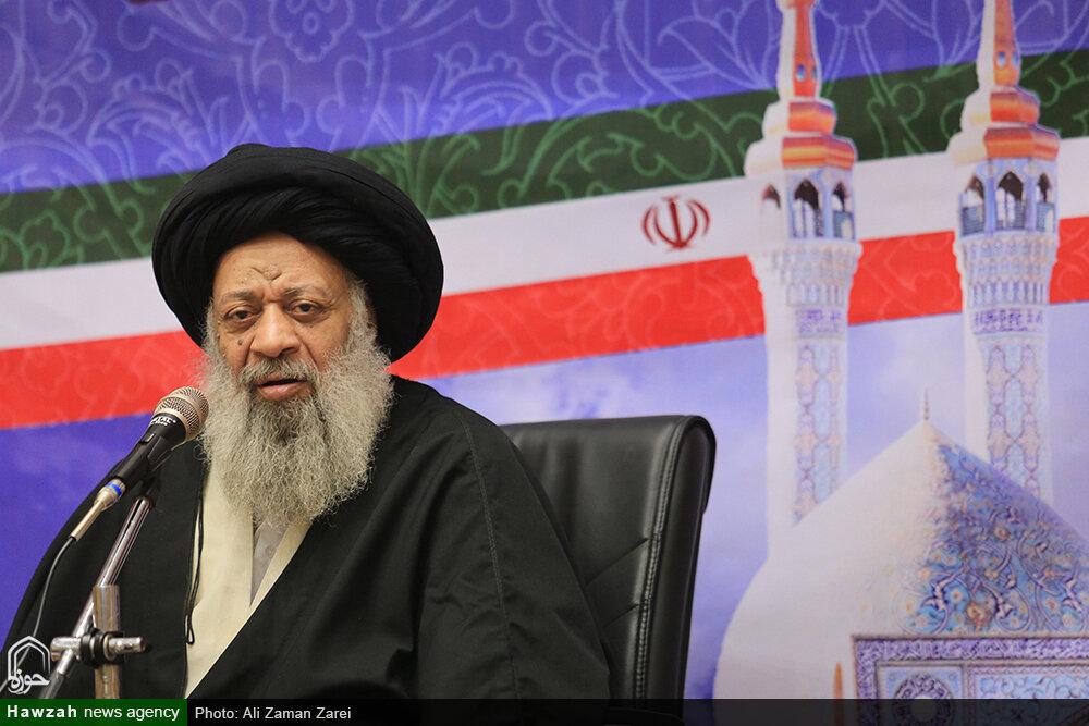 دولتهای اسلامی بدانند تنها راه پیشرفت حفظ وحدت است نه تکیه بر مستکبرین