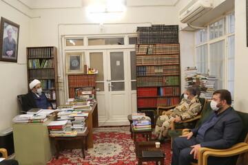 تصاویر / دیدار رئیس سازمان پدافند غیرعامل کشور با آیت الله فاضل لنکرانی
