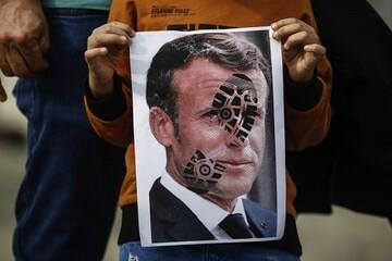 فرانسه با ترس از جریانسازی اسلام به  هتک حرمت افتاده است