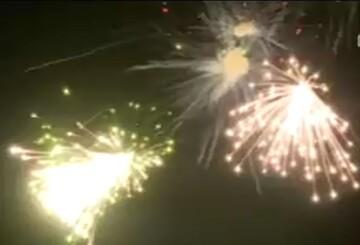 فیلم | نورافشانی آسمان قم در شب میلاد پیامبر مهر و رحمت